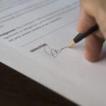 Podpisywanie umowy zlecenia